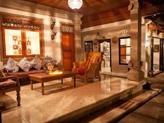 Kebun Damai, Legian's Best Kept Secret Villa. - Legian vacation rentals