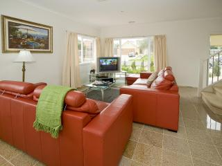 City Condo Melbourne - 15 min to City CBD - Melbourne vacation rentals