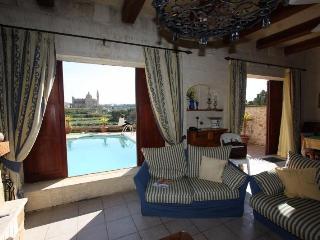 Rustic Style 4-bedroom Villa on the island of Gozo - Ghasri vacation rentals