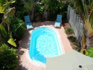 Villa Largo Fantatsic Pool Beach Home! 3 Blks to Bch! Sleeps 8 - Lauderdale by the Sea vacation rentals