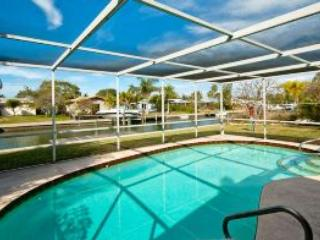 Caged pool - Shore Birds-514 68th St - Holmes Beach - rentals