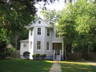 1897 Victorian, Great 4 Families, 15 Mins to Most Popular Sites - 5 Bdrms, 3 Bths - Washington DC vacation rentals