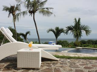 Luxury villa with pool and ocean view  DISCOUNT10% - Lovina vacation rentals