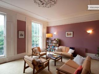4 Bedroom Period Home, Islington - Buckhurst Hill vacation rentals