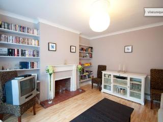 Modern 2 bed in Maida Vale with garden, Westminster - Hertfordshire vacation rentals