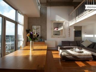 Penthouse on the Canal, 2 bedroom, Shoreditch - London vacation rentals