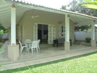 Hibiscus Cottage: peaceful, stylish house & garden - Unawatuna vacation rentals