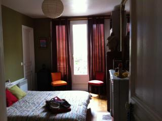 Bed and Breakfast at Domingo Rooms in Beaubourg, Paris - Paris vacation rentals