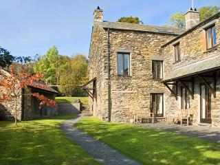 HELM MINT, romantic, country holiday cottage, with a garden in Bowness & Windermere, Ref 12902 - Ambleside vacation rentals
