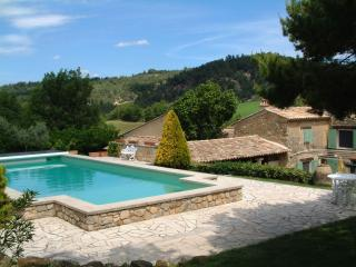 Le Jas des Cannebieres 7 Bedroom House, Pet-Friendly, with a Pool and Fireplace - Alpes de Haute-Provence vacation rentals