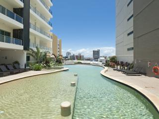 Darwin Executive Suites 2 Bedrooms + FREE CAR - Darwin vacation rentals