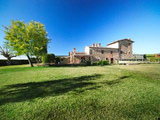 Colonica Gigli - Tuscany vacation rentals