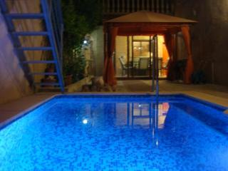 Traditional 5 bedroom house with private pool - Valencia vacation rentals