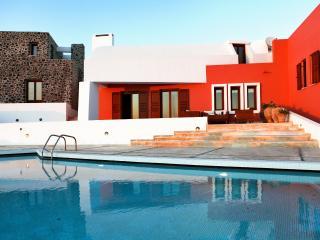 Luxury Island Villa on Santorini with Private Pool, Basketball Court, and Outdoor Chess Set - Villa Giada - Imerovigli vacation rentals