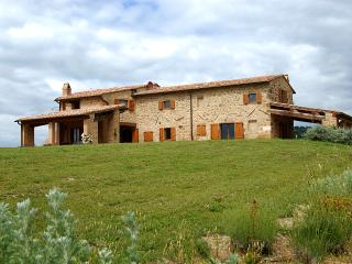 Tuscan Farmhouse with a Private Pool Near Spas - Villa Vigna - Val d'Orcia vacation rentals