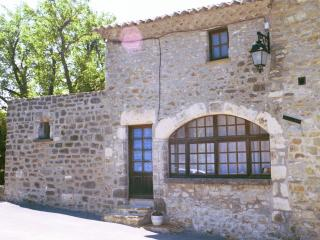 Provencal hilltop village, 3 bdrm home - Saint-Thome vacation rentals
