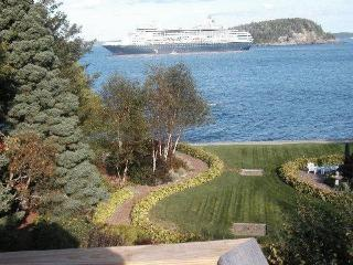 Bar Harbor Shorepath Estate Walk To Cafes, Movies! - Bar Harbor vacation rentals