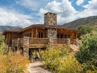 Luxurious Log Cabin Near Moab & Red Rock Canyons! - Moab vacation rentals