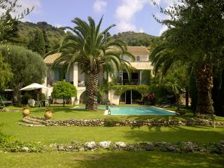 Large Villa with pool, tennis court, Villefranche. - Villefranche-sur-Mer vacation rentals