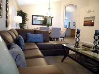 5* Devine Villa  Private Pool, free WIFI & calls - Davenport vacation rentals