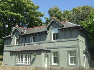 Luxury cottage with Sea Views and Hot Tub!!!! - Aberdour vacation rentals