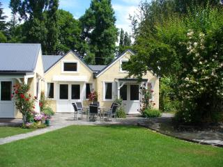 ARROWTOWN village near Queenstown.5 bedroom house. - Queenstown vacation rentals