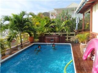Hall's Waterfront Cottage - Long Bay vacation rentals