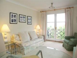 3rd Floor 2 Bedroom London Apartment at Brompton Park Crescent - London vacation rentals