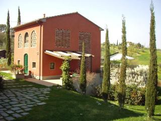 Il Cigliere, unique place in the hearth of Tuscany - San Baronto vacation rentals