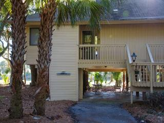 Club Cottage 840 - Relaxing Resort Home With Lots of Amenities - Edisto Island vacation rentals