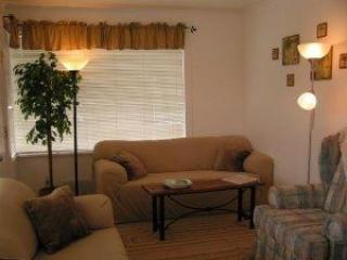 South Side of Living Room - Oregon Beach House with 3 Bedroom / 3 Bath - Seaside - rentals