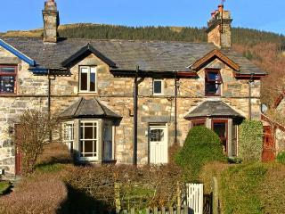 PENRHYN HOUSE, family friendly, country holiday cottage, with a garden in Cwm Penmachno, Ref 10320 - Cwm Penmachno vacation rentals