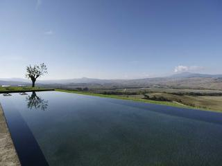 Tuscan country home in the Val D'Orcia area. YPI RAN - Pienza vacation rentals