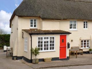 COXES COTTAGE, family friendly, character holiday cottage, with a garden in Clyst St Mary, Ref 13292 - Devon vacation rentals