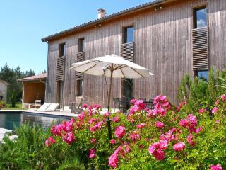 Château Bouynot - Le Séchoir - Saint-Sauveur-de-Meilhan vacation rentals