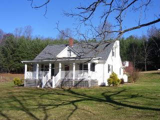 The White House - Woolwine vacation rentals