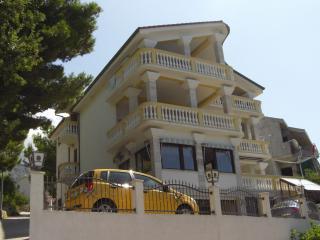 Amazing 1B/1B Great Views,Beaches&Gorgeous Villa! - Brela vacation rentals