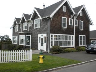 7 bedroom beach escape-Gearhart, Ocean Ave. - Gearhart vacation rentals