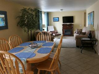 THE SEAHORSE: COMFORT, SPACIOUS, STEPS TO TH - Yachats vacation rentals