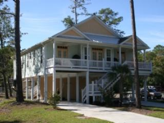 Front of Home - A Gift From Heaven - Oak Island - rentals