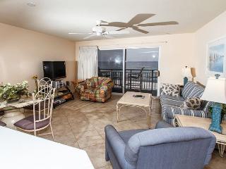 PI 412:Beautiful gulf front 1BD/2BA Condo, WiFi , Free Beach Service - Fort Walton Beach vacation rentals
