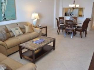 Living room - Somerset 809 - Great Location, Beachfront Condo! - Marco Island - rentals