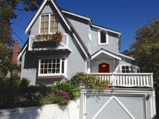 Honey's Retreat: Lovely Beach Cottage - Carmel vacation rentals