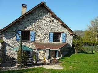 Gîte de la Vallée, charming cottage in Champagne - Baulne-en-Brie vacation rentals