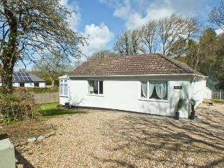 FERN LEA, family friendly, country holiday cottage, with a garden in Nolton Haven, Ref 13283 - Roch vacation rentals
