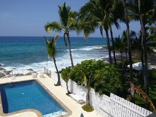 1 Bedroom Ocean Front Complex, Kona Riviera Villas 106 - Kailua-Kona vacation rentals