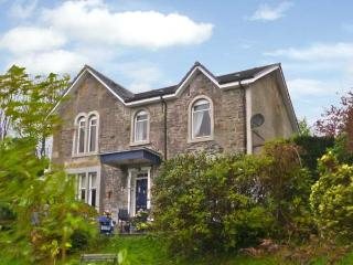 NEWTON HOUSE, family friendly, character holiday cottage, with a garden in Dunoon, Ref 11545 - Dunoon vacation rentals