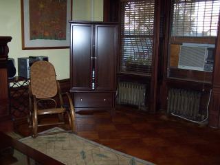 Loft Studio in classic Brownstone Parlor; mahogany - New York City vacation rentals
