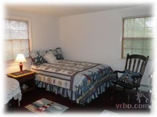 2 Bedroom 1 Bathroom Vacation Rental in Nantucket that sleeps 4 -(10149) - Nantucket vacation rentals