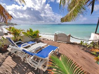 SMART VILLA...nestled beachfront at Pelican Key - Pelican Key vacation rentals